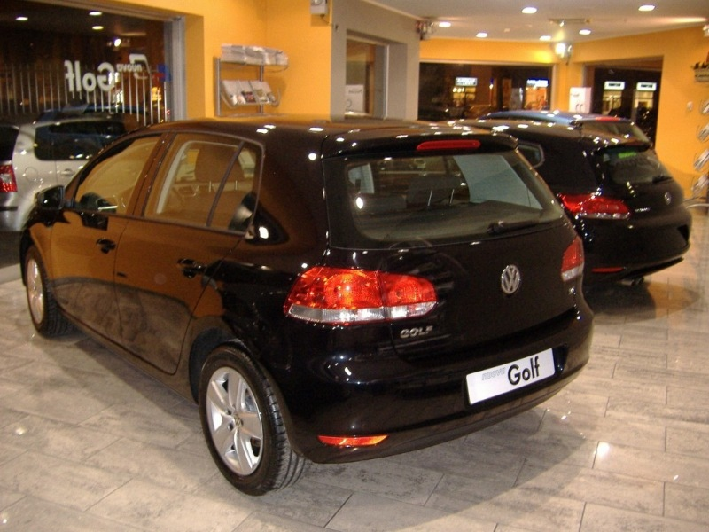 VW Golf VI vs VW Scirocco