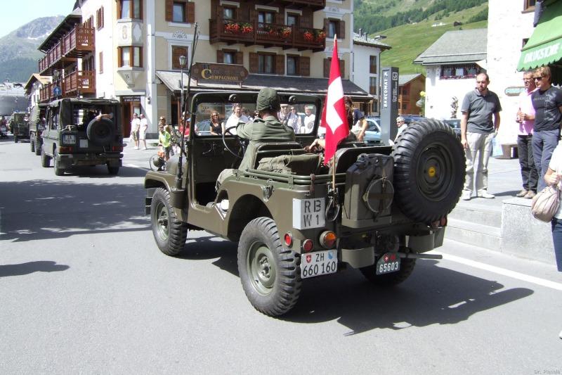 """""""Le Quattro Valli"""": raduno di mezzi militari storici a Livigno 2010 (3 di 3)"""