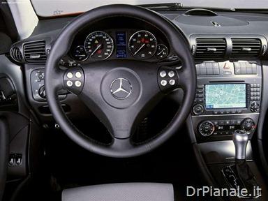 Mercedes-Benz-C320_Sport_Coupe_2004_800x600_wallpaper_18