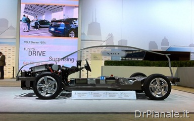 2012-Chicago-Chevrolet-Volt-demo-chassis-1024x640
