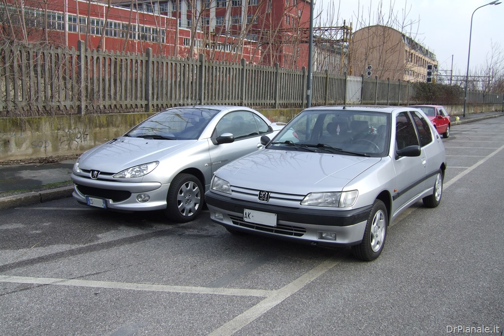 Peugeot 206 CC vs Peugeot 306 1