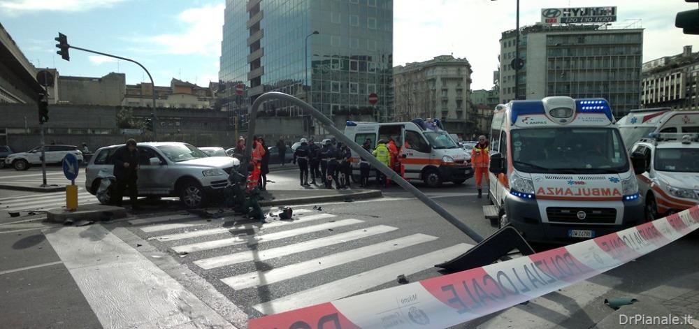 Milano–Incidente Piazzale Loreto–08 02 2013 (2/4)