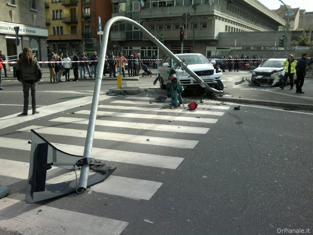 Milano–Incidente Piazzale Loreto–08 02 2013 (3/4)