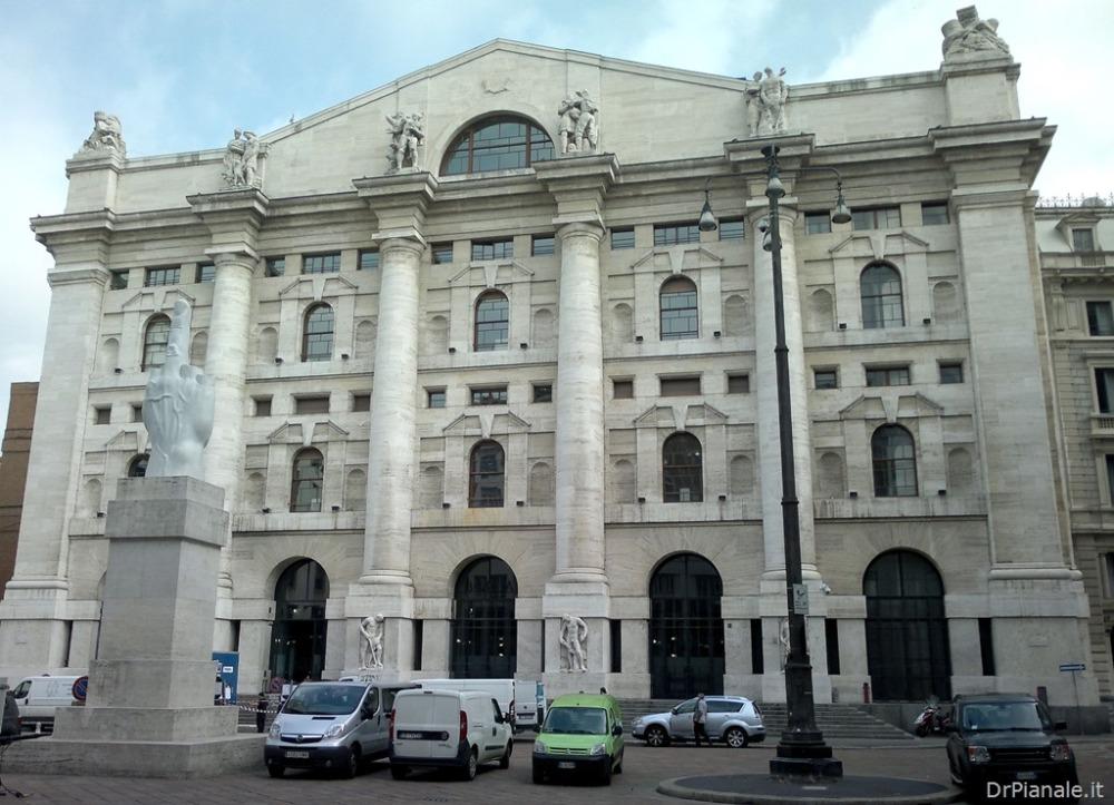 Milano - Palazzo Mezzanotte (2/2)
