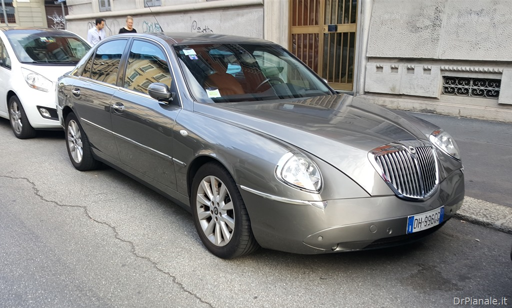 lancia thesis misljenje The lancia thesis (type 841) is an executive car produced by italian automaker lancia between 2001 and 2009.